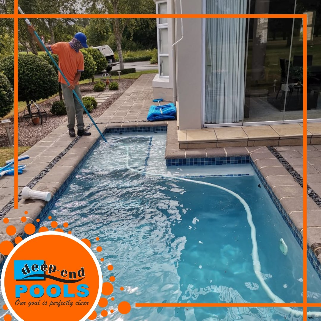 Deep-End Pools is at Boschenmeer maintaining pools - Grande Lodge.